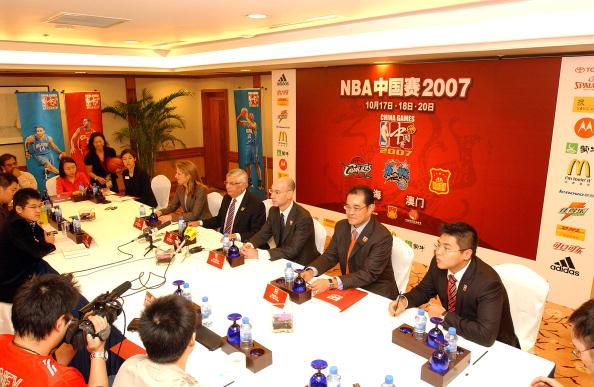 图文-NBA中国区CEO出席发布会NBA高层全部出席