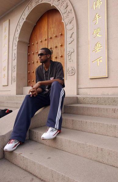 图文-[中国赛]NBA球星畅游上海莱斯感受静安寺