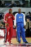 图文-[NBA中国赛]骑士VS魔术詹姆斯与霍华德