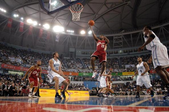 图文-[NBA中国赛]骑士86-90魔术琼斯上篮轻松得分