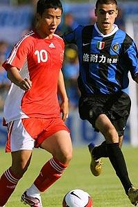 热身赛-阿根廷双煞破门阿德发威国奥0-3国际米兰