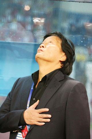 谁最该为亚洲杯的惨败负责朱广沪高开低走责任几何