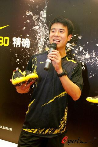 图文-孙祥出席某品牌运动鞋代言活动热情的阳光男孩