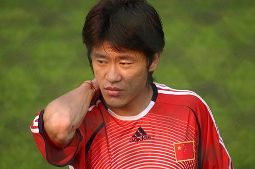 图文-国足香河备战亚洲杯谁知道王栋在思考着什么