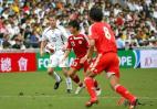 图文-[回归杯]中国队VS明星联队杜威及时冲上