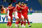 图文-[亚洲杯]中国VS马来西亚邵佳一与队友分享快乐