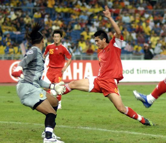 图文-[亚洲杯]中国队5-1马来西亚邵佳一轻松破门