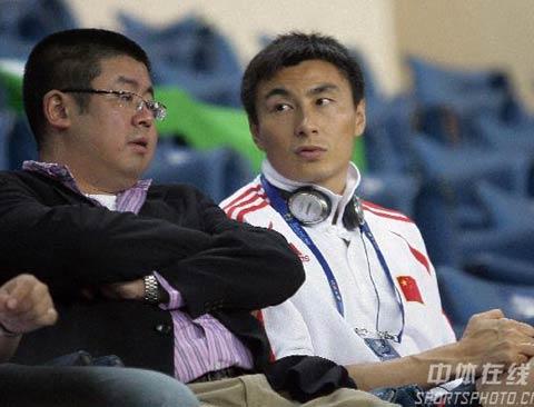 """图文-[亚洲杯]国足VS乌兹别克李玮峰""""作壁上观"""""""