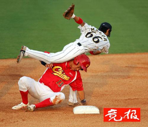 中国棒球队负日本获亚军主帅:与强队对抗还需时日