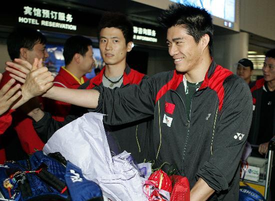 图文-苏杯中国羽毛球队载誉归来最强的双子星座
