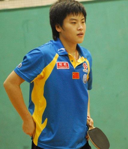 中国乒乓球赛国乒训练郝帅一副腼腆模样