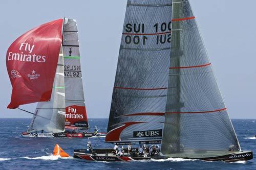 图文-美洲杯帆船赛总决赛第5回阿灵基略有优势