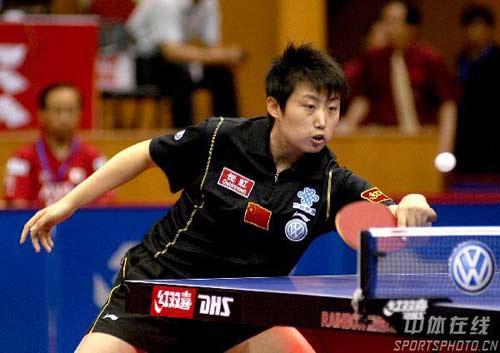 图文-中国乒球公开赛郭跃晋级决赛郭跃挫球小心翼翼