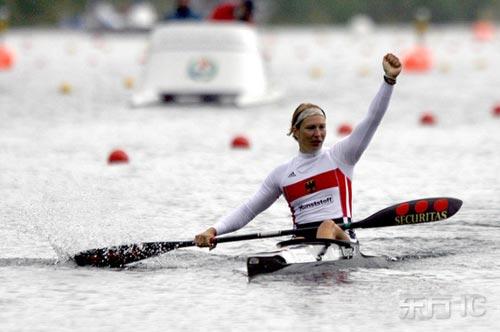 赛况-欧洲皮划艇锦标赛图文一袭白衣水上飘lowa登山鞋v赛况图片