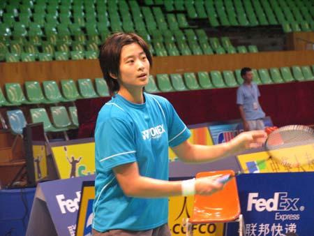 国羽备战中国羽毛球大师赛王琳轻松训练