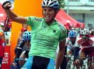 图文-环青海湖自行车赛第六赛段赛况选手冲刺瞬间