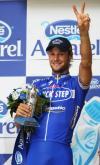 图文-环法自行车赛第12赛段赛况伸出胜利手势