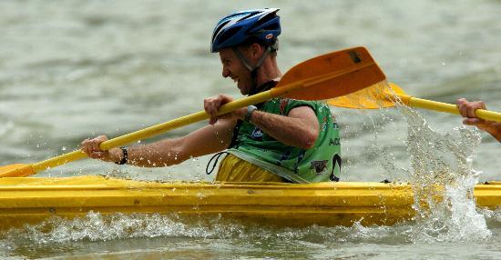 文-武隆国际健美户外运动公开赛正赛皮划艇比怎么山地图片