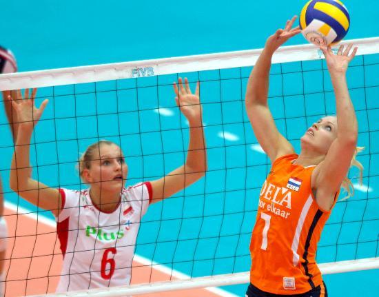 图文-总决赛荷兰女排3-0波兰女排斯塔伦斯组织进攻