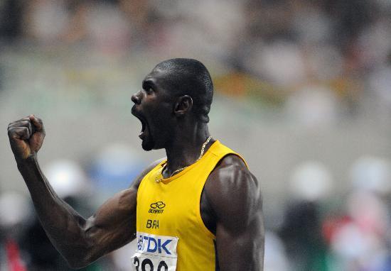 图文-田径世锦赛男子三级跳远巴西选手忘情高呼
