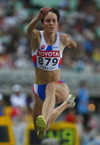 图文-田径世锦赛女子三级跳预赛沃尔达科娃大跨步
