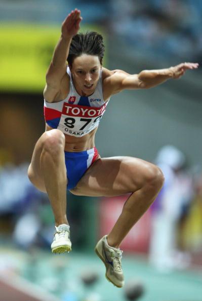 三级跳�_图文-世锦赛女子三级跳决赛 斯洛文尼亚维尔达科娃