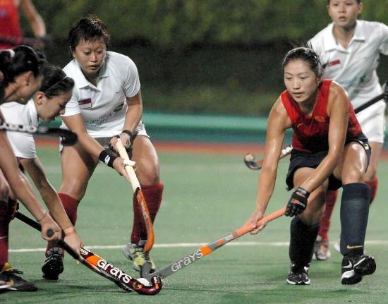 图文-女曲亚洲杯中国15-0新加坡李红侠以一敌三