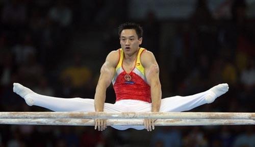 图文-体操世锦赛男子全能杨威夺冠这是杨威的强项