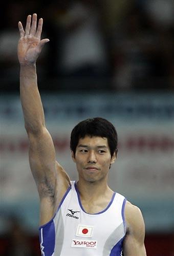 图文-体操世锦赛男子全能杨威夺冠水鸟寿思获铜牌