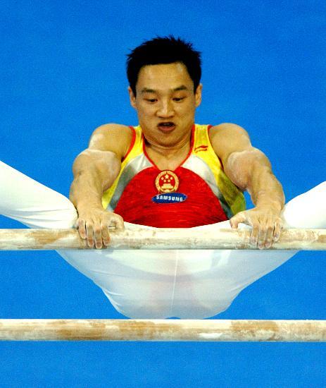 图文-体操世锦赛男子全能杨威夺冠杨威轻松自如