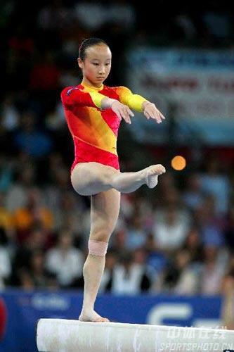 图文-体操世锦赛女子全能决赛肖莎一丝不苟