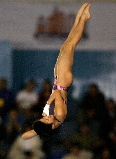 图文-跳水陈若琳女子10米跳台折桂陈若琳完美身姿
