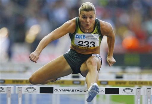 图文-黄金联赛末站女子100米栏卡鲁尔12秒49夺冠