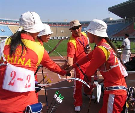 图文-射箭亚锦赛教练反曲弓肩膀团体为爱将加射箭锁女子图片