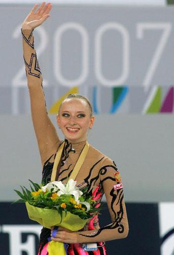 图文-艺术体操世锦赛带操决赛塞西娜收获第二金