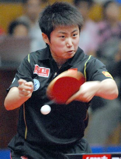 图文-乒乓球世界杯郭跃获得第三名郭跃一丝不苟
