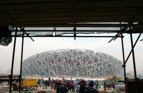 图文-探营鸟巢水立方内部施工遥望壮观的鸟巢