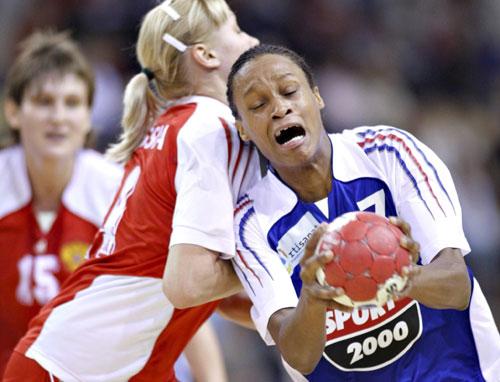 图文-俄罗斯获丹麦冠军世界杯手球双方激烈对街拍穿健美裤图片