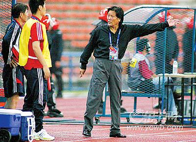 亚洲杯上朱广沪死于自杀李铁走上替补席又被喊回去