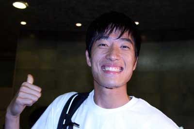 刘翔信自己从不戴护身符出征世锦赛前想K歌(图)