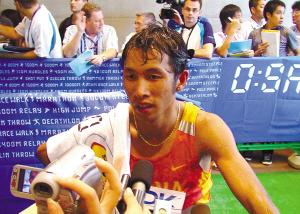 男子马拉松队特训初见成效走进非洲让他们成绩提高