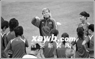 多曼放弃与中国足协续约率队表现得体育总局赞扬