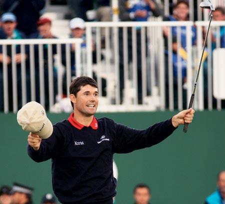 哈灵顿英国公开赛夺冠Titleist高尔夫球席卷全球