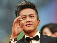 视频:邓超携《分手大师》亮相北京电影节红毯