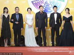 视频:《太平轮》剧组亮相北京电影节红毯