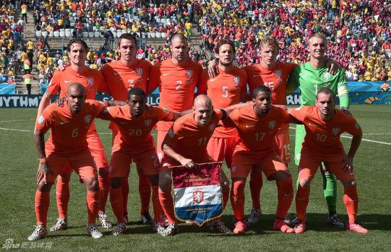 2014世界杯大名单_范佩西停赛造荷兰18年奇景 罕见啊!上一次踢的是中国_2014世界杯 ...