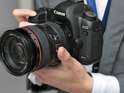 单反相机报价_全幅单反 沈阳佳能5D2相机报价18500_数码_科技时代_新浪网
