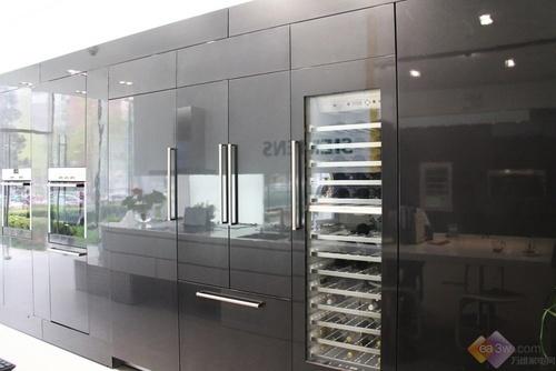 引领高端体验 西门子嵌入式冰箱视频解析 家电 新浪科技 新浪网