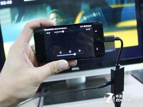 魅族mx手机桌面_micro USB转HDMI 魅族MX自带MHL功能详解_手机_科技时代_新浪网