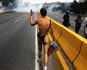 裸体抗议和奇葩示威者